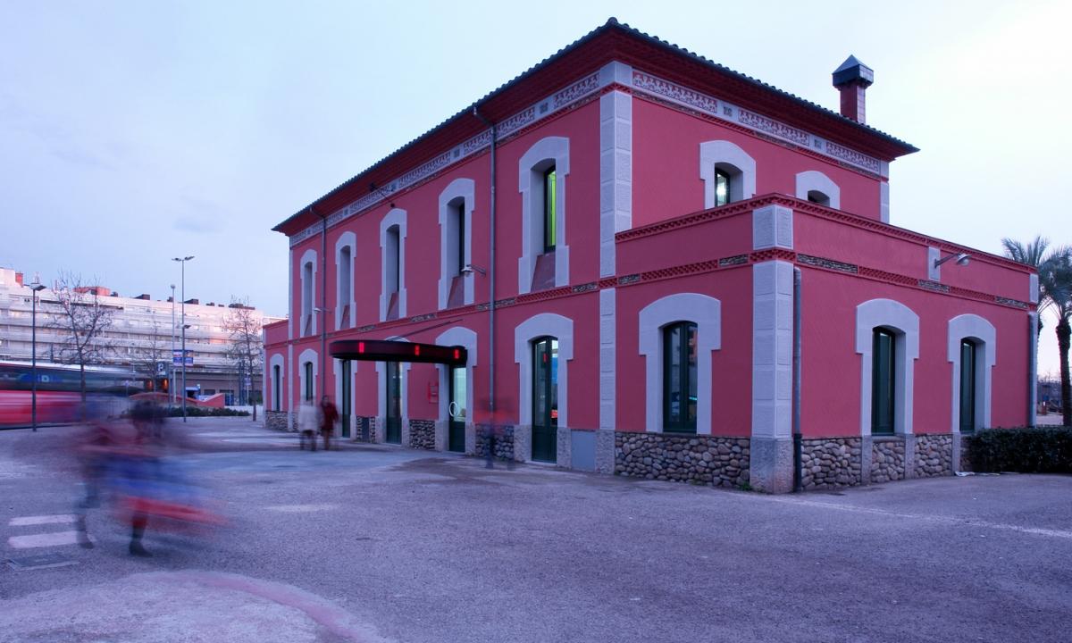 Espai jove a l'antiga estació del carrilet (Girona)