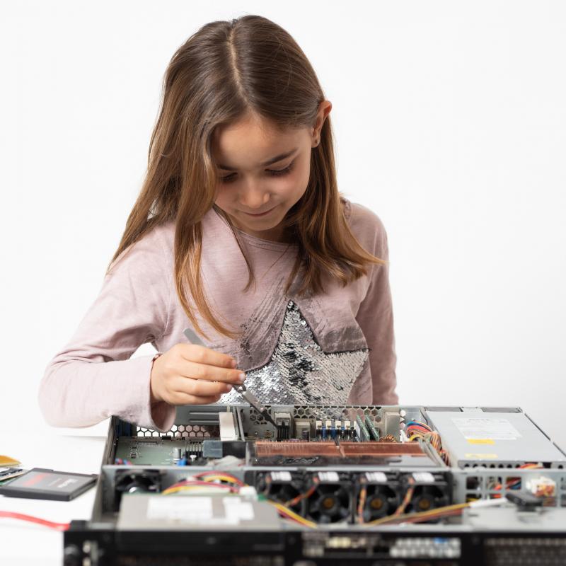 Avui és un dia fantàsTIC! Celebrem el Dia Internacional de les nenes en les TIC!!!